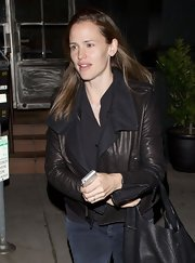 Jennifer Garner sported a basic leather jacket with cloth lined lapels while out grabbing dinner.