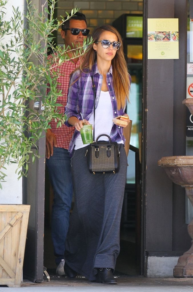 Jessica Alba and Cash Warren Have A Lunch Date
