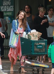 Jessica Alba stopped by Foodland wearing a pink harem jumpsuit under a denim shirt.