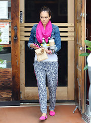 Jessica's hot pink slippers matched her circle scarf and pant seam for a fun pop of color to an otherwise neutral outfit.