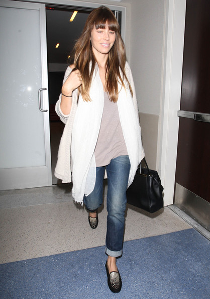 More Pics of Jessica Biel Solid Scarf (1 of 16) - Jessica Biel Lookbook - StyleBistro