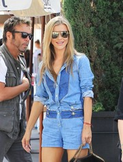 Joanna Krupa kept the sun out with a pair of mirrored aviators while grabbing lunch.