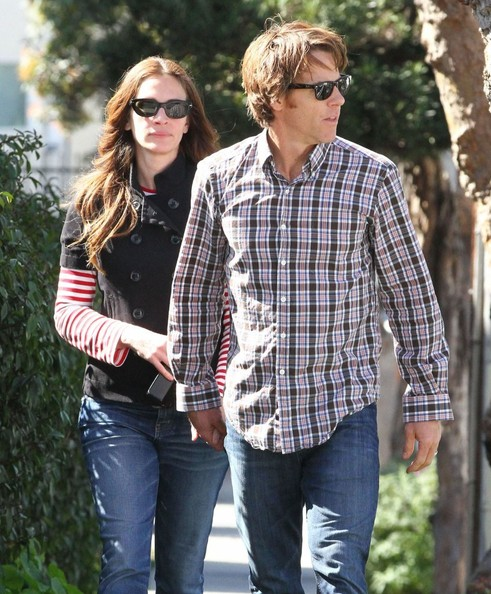 Daniel Moder opted for a plaid shirt and jeans while on a walk with wife, Julia Roberts.