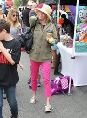 Julie Bowen chose a green utility jacket for her casual and cool look at the Studio City farmer's market.