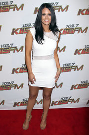'American Idol' contestant Pia Toscano brightened up her white summer mini dress with a stacked gold Royale bracelet.