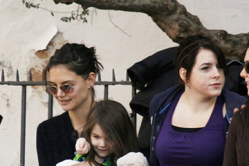 Katie Holmes Isabella Kidman-Cruise Kaite, Suri & Isabella Visiting Tom On Set Of 'Knight And Day'