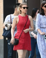 Kate Mara took a walk in New York City wearing cute cateye sunnies.