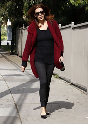 Kate Walsh took a stroll in simple, yet chic black ballet flats.