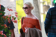 Actress Katherine Heigl and a male friend out for lunch at the Larchmont Bungalow cafe in West Hollywood , CA.