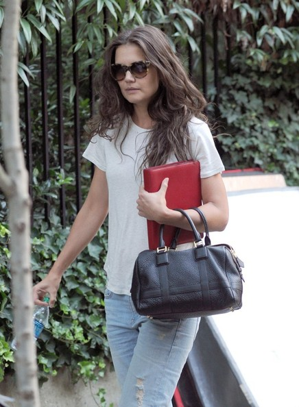 More Pics of Katie Holmes Leather Tote (1 of 6) - Katie Holmes Lookbook - StyleBistro []