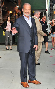 Kelsey Grammer chose a three-piece gray suit for his appearance on 'David Letterman.'