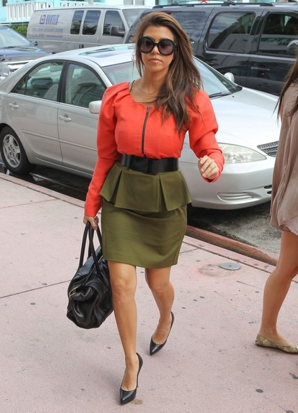 Kim & Kourtney Kardashian Support The Miami Economy