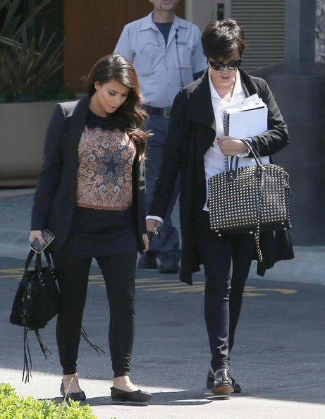 More Pics of Kim Kardashian Print Blouse (1 of 16) - Print Blouse Lookbook - StyleBistro