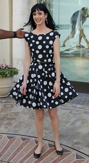 Krysten Ritter arrived at the Grove in Los Angeles for an appearance on 'Extra' wearing a lovely dotted dress and classic black ballet flats.