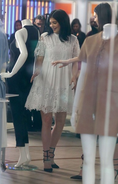 Kylie Jenner Baby Doll Dress []