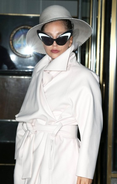 Lady Gaga Cloche