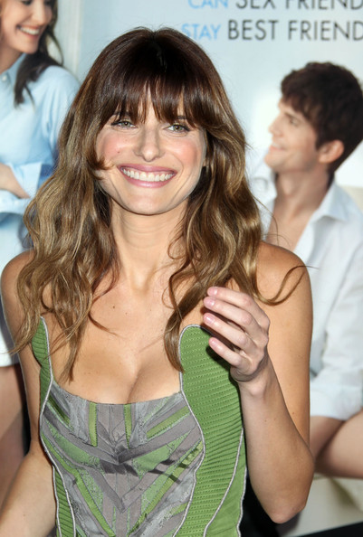 Lake Bell Long Wavy Cut with Bangs