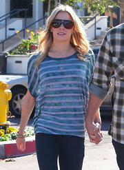 LeAnn Rimes went out to breakfast wearing a pair of oversize aviator shades.
