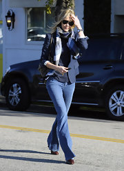 Leslie Bibb channeled effortless '70s glam in a pair of flared jeans.