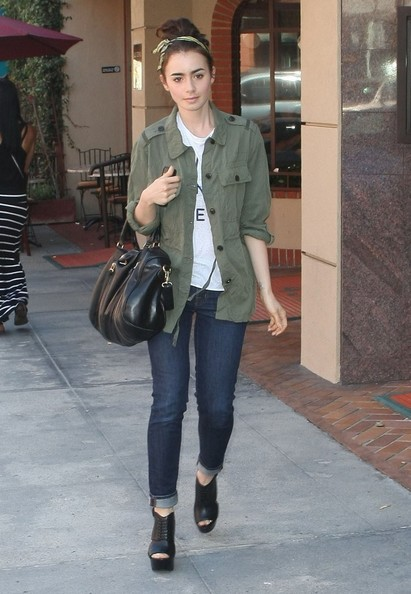 Lily Collins Skinny Jeans []