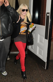 Lindsay was spotted in NYC in crimson jeans and black leather ankle boots.
