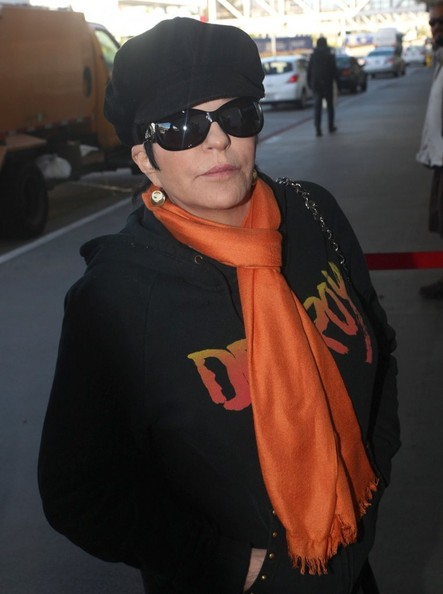 More Pics of Liza Minnelli Oval Sunglasses (2 of 12) - Liza Minnelli Lookbook - StyleBistro
