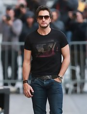 Luke Bryan showed off his country rocker style with a classic screen print t-shirt.