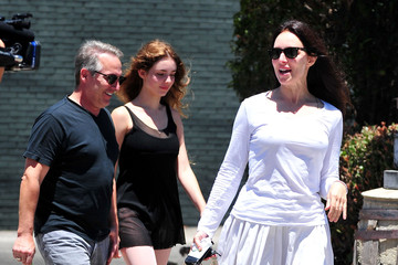 Madeleine Stowe May Benben Madeleine Stowe And Family Out For Lunch In Brentwood