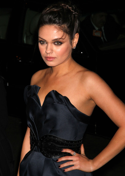 Mila Kunis Diamond Ring