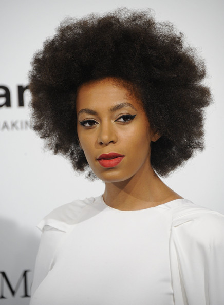 Solange Knowles attended the amfAR charity auction wearing this voluminous curly 'do.