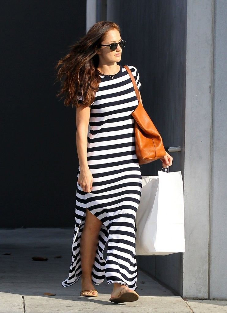 'Almost Human' actress Minka Kelly rocks a 'jail-bird' style dress while shopping for new furniture in Hollywood, California on November 15, 2013.