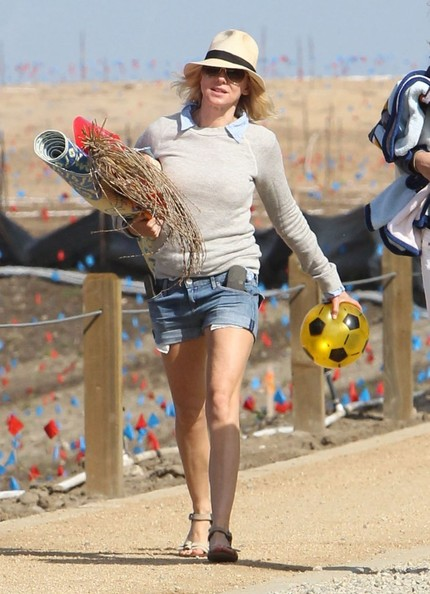 More Pics of Naomi Watts Denim Shorts (5 of 54) - Naomi Watts Lookbook - StyleBistro