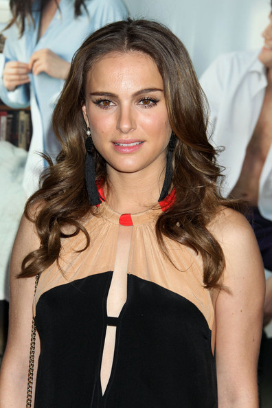 Natalie Portman Long Wavy Cut