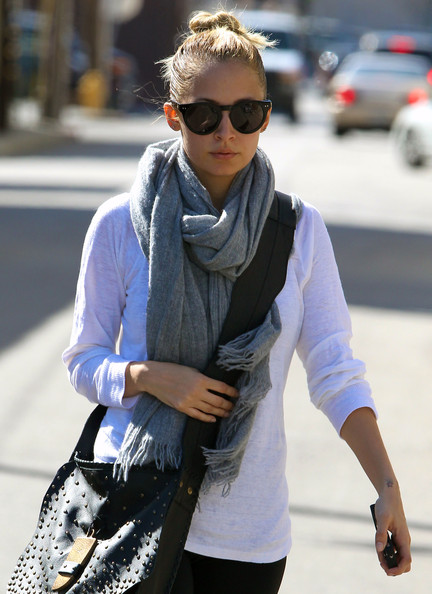 More Pics of Nicole Richie Leather Messenger Bag (1 of 12) - Leather Messenger Bag Lookbook - StyleBistro