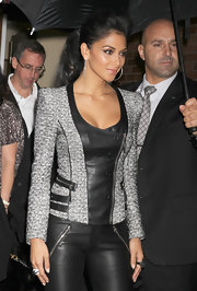 Nicole Scherzinger wore a jet crystal Appolon cocktail ring for her appearance on 'Good Morning America'.