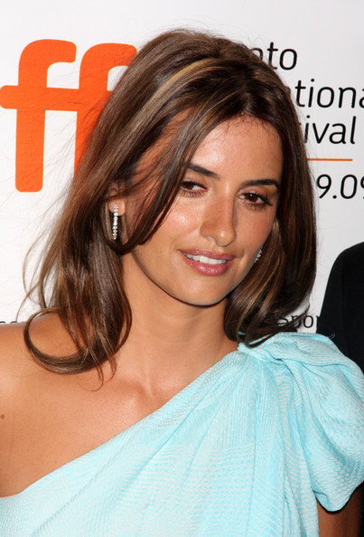 More Pics of Penelope Cruz Long Side Part (1 of 16) - Penelope Cruz Lookbook - StyleBistro