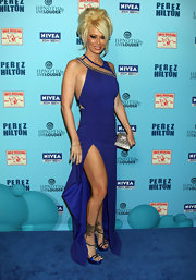 Jenna Jameson paired her revealing blue gown with electric blue platform sandals adorned with rhinestones.