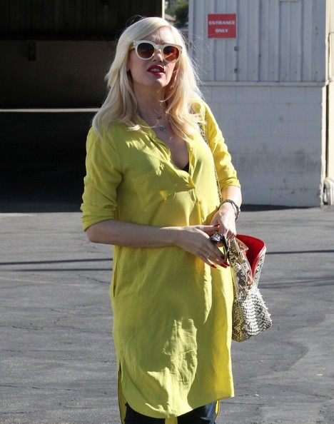 More Pics of Gwen Stefani Leather Shoulder Bag (1 of 23) - Shoulder Bags Lookbook - StyleBistro