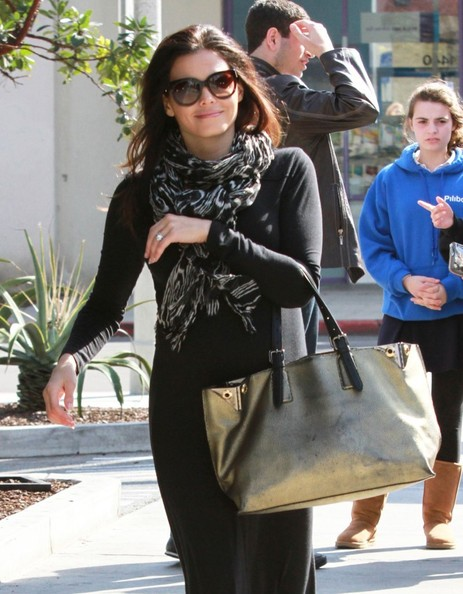 More Pics of Jenna Dewan-Tatum Metallic Tote (1 of 23) - Jenna Dewan-Tatum Lookbook - StyleBistro