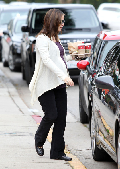 More Pics of Jennifer Garner Ballet Flats (1 of 11) - Jennifer Garner Lookbook - StyleBistro