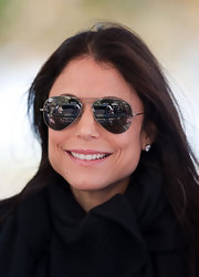 "New York's ""Real Housewife"", Bethenny Frankel shows off her silver rimmed aviators while doing some prmoting in Miami."