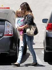 Rachel Bilson showed off her weaved shoulder bag while grabbing some lunch with family.