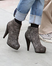 Rachel Bilson showed off her zip sup ankle boots while out and about in LA.