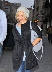 The actress' blonde curls peeked out of an oversized knit beanie.