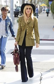 Rachel Zoe, the queen of boho, chose a crisp, dark-wash denim jean fro her daytime street style.