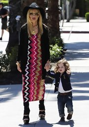 Rachel Zoe showed again that she's one stylish momma when she sported this vertical chevron dress.