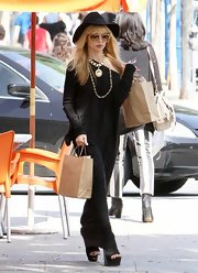 Known for her eclectic style, Rachel Zoe showed off her hippie style again with this black, long-sleeved maxi.
