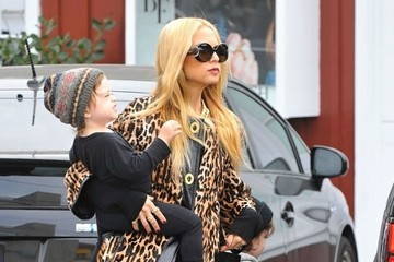 Rachel Zoe Skyler Berman Rachel Zoe Takes Her Sons Out For Lunch
