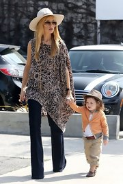 Rachel Zoe looked cool and chic in a wide-brimmed hat while out with her son.