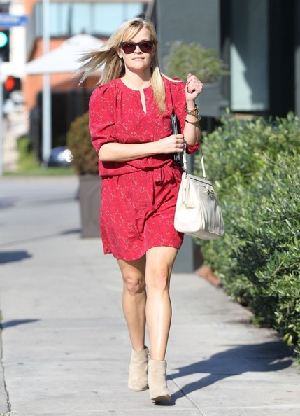 More Pics of Reese Witherspoon Leather Shoulder Bag (1 of 26) - Leather Shoulder Bag Lookbook - StyleBistro